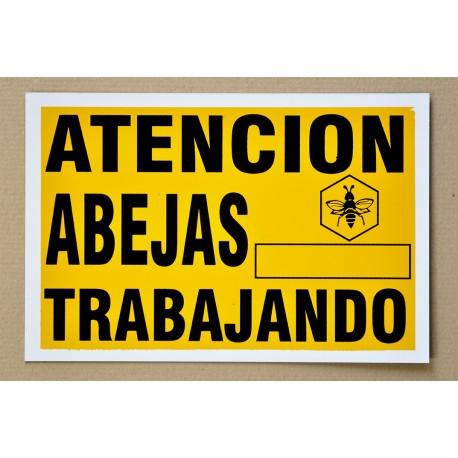 ATENCIÓN ABEJAS TRABAJANDO